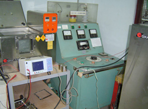 耐溫及耐電壓測試機